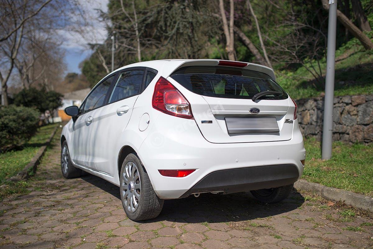 Ford Fiesta Ümraniye Kiralık Araç 4. Fotoğraf