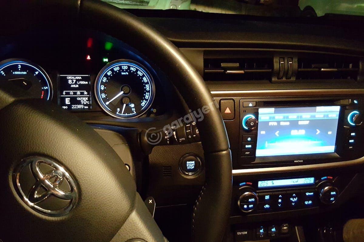 Toyota Auris Sultanbeyli Kiralık Araç 3. Fotoğraf