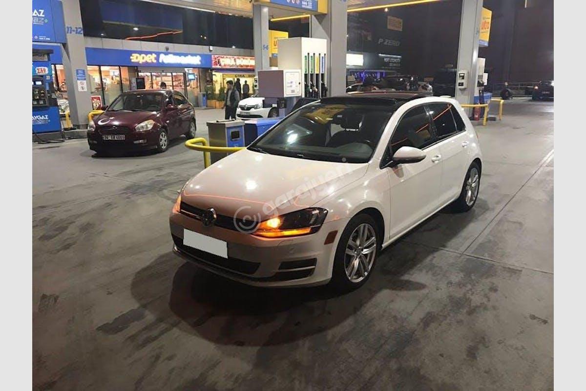Volkswagen Golf Küçükçekmece Kiralık Araç 1. Fotoğraf