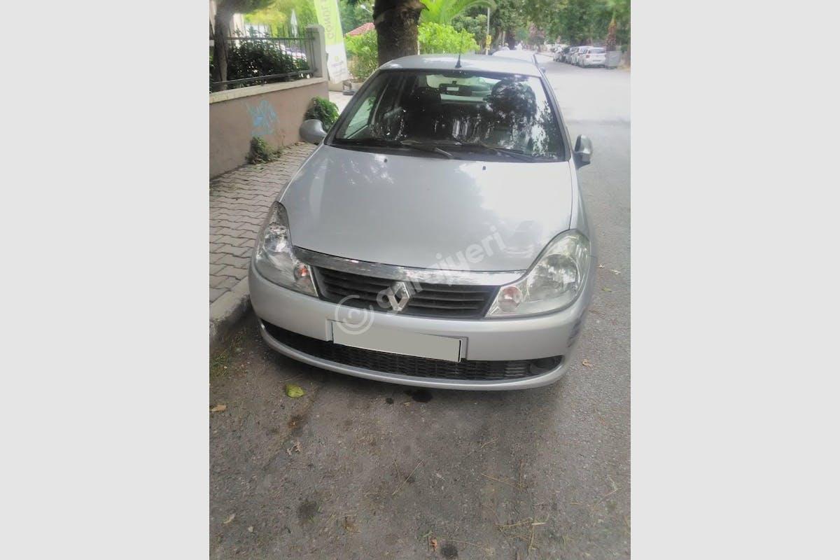 Renault Symbol Bayraklı Kiralık Araç 1. Fotoğraf