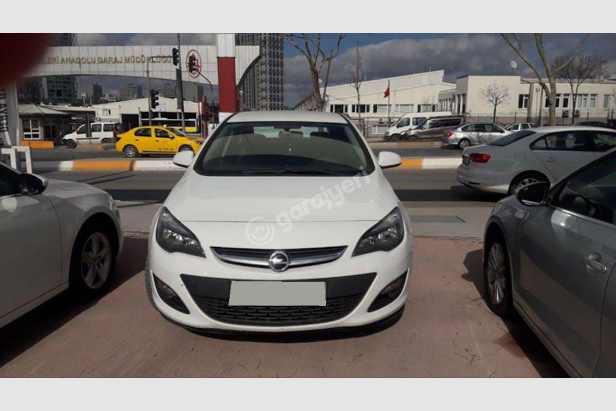 Opel Astra Sedan Kadıköy Kiralık Araç 1. Fotoğraf