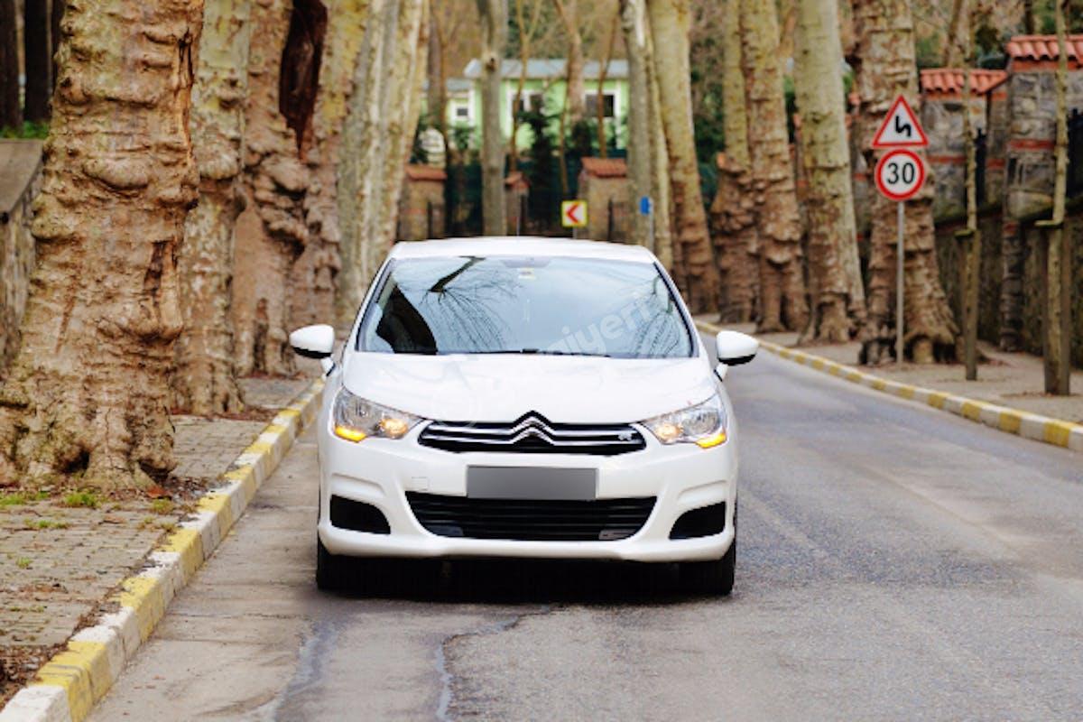 Citroën C4 Kadıköy Kiralık Araç 2. Fotoğraf