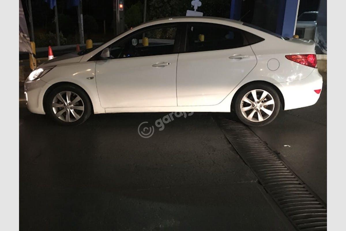Hyundai Accent Blue Üsküdar Kiralık Araç 2. Fotoğraf