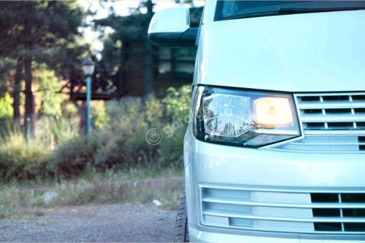 Volkswagen Transporter Kartal Kiralık Araç 3. Fotoğraf