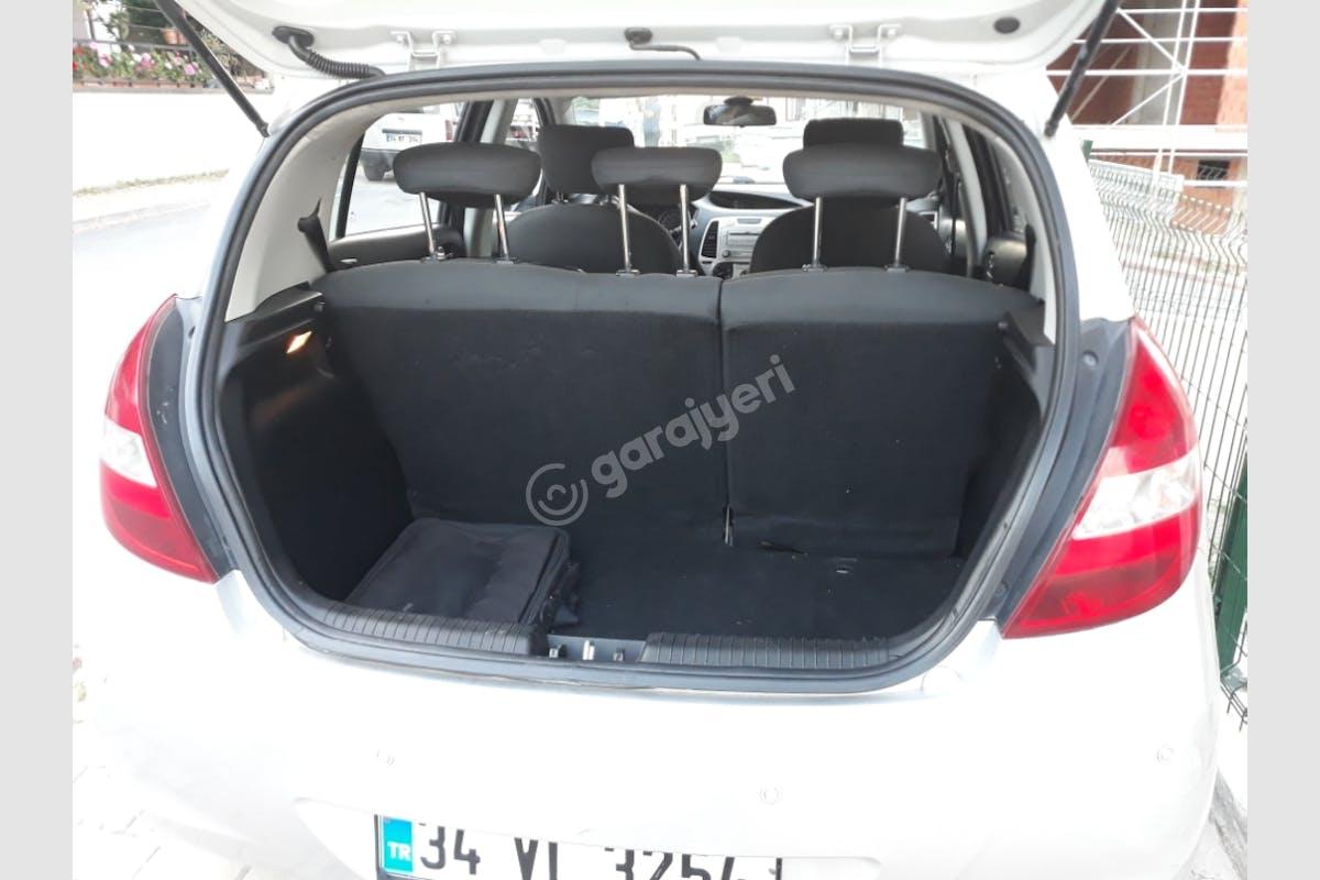 Hyundai i20 Sancaktepe Kiralık Araç 7. Fotoğraf