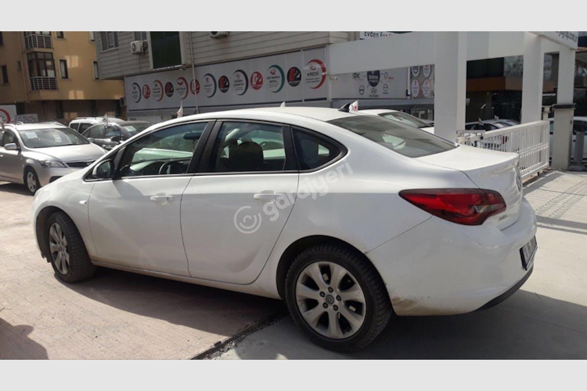 Opel Astra Sedan Kadıköy Kiralık Araç 3. Fotoğraf