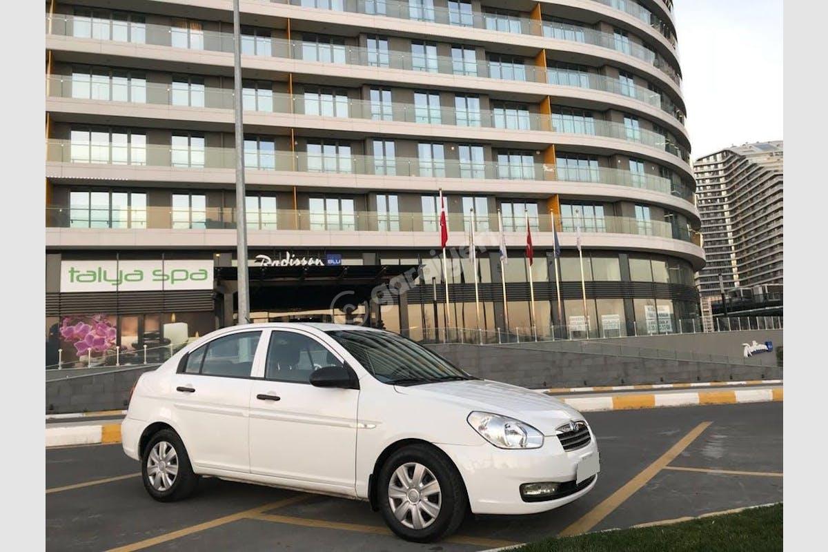 Hyundai Accent Era Bağcılar Kiralık Araç 2. Fotoğraf