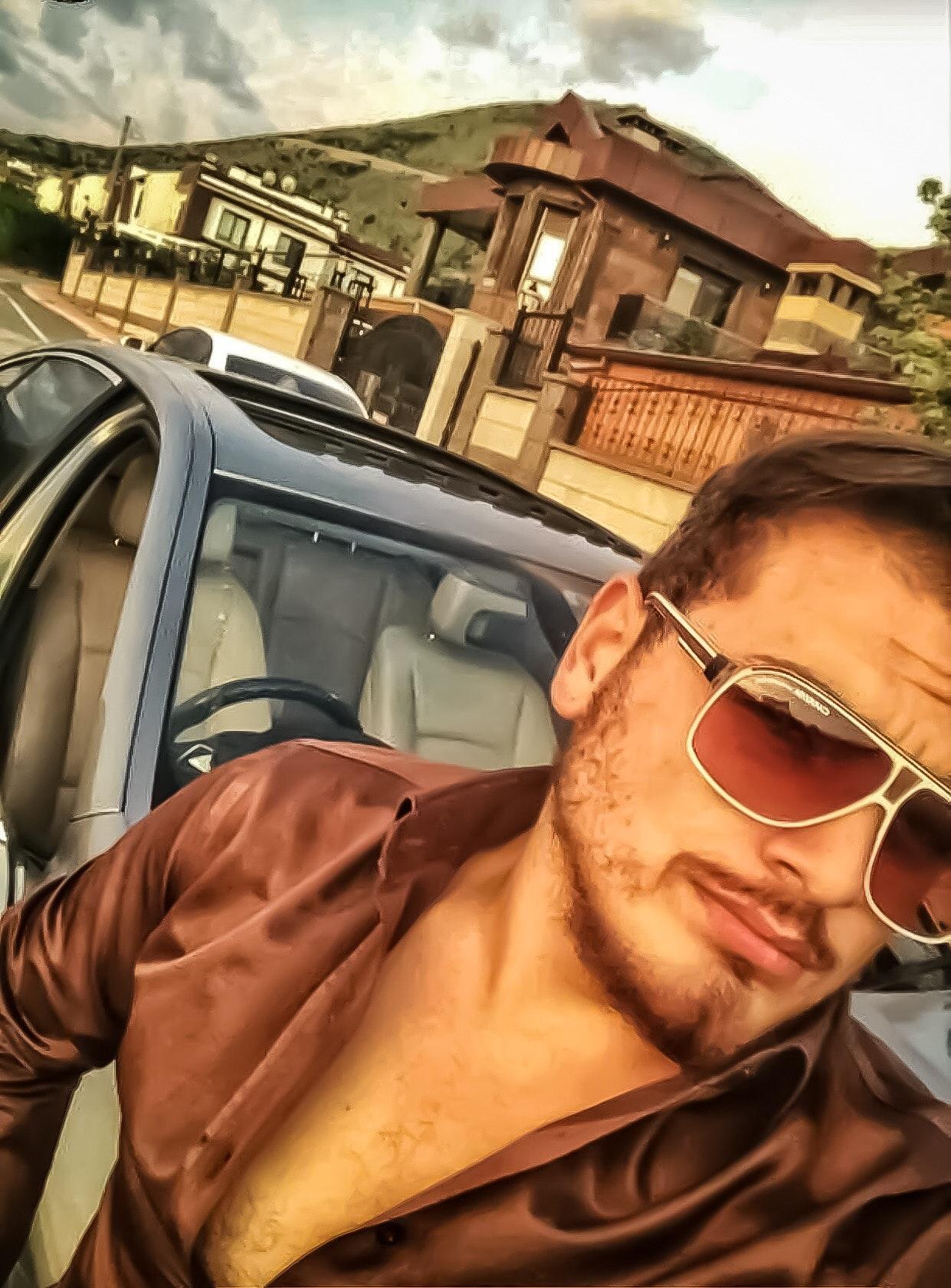 Ahmet E.