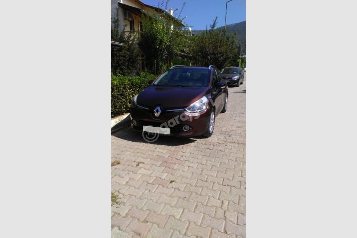 Renault Clio Karşıyaka Kiralık Araç 1. Fotoğraf