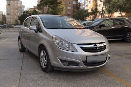 Opel Corsa İstanbul Kadıköy Kiralık Araç