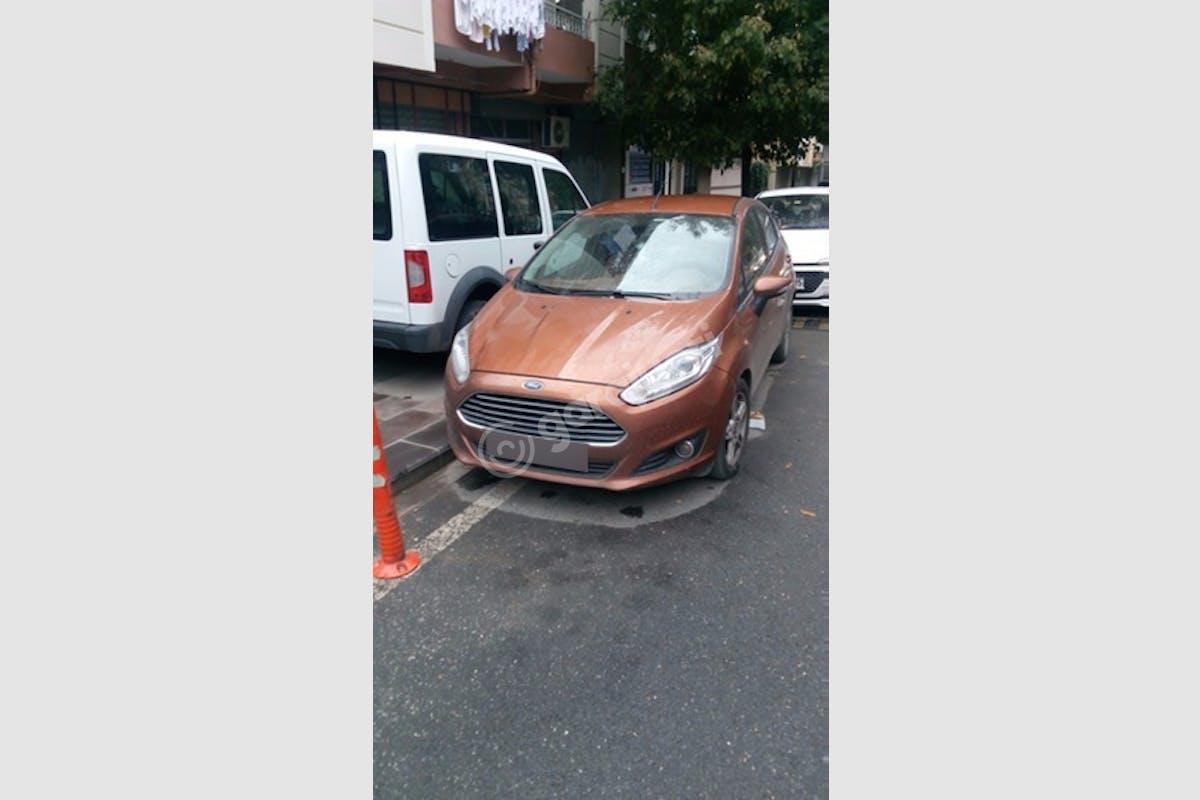 Ford Fiesta Küçükçekmece Kiralık Araç 1. Fotoğraf