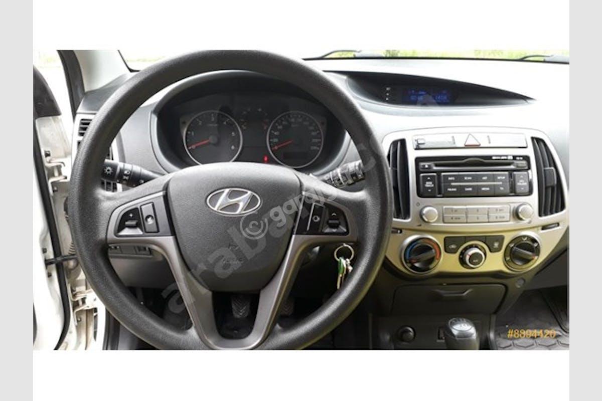 Hyundai i20 Keçiören Kiralık Araç 6. Fotoğraf