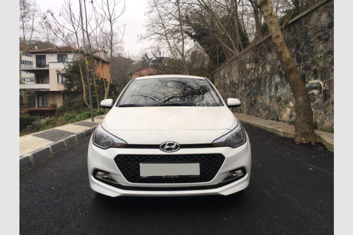 Hyundai i20 Sarıyer Kiralık Araç 1. Fotoğraf