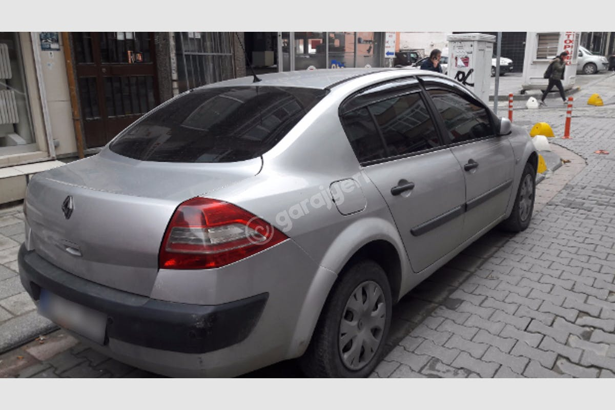 Renault Megane Kadıköy Kiralık Araç 3. Fotoğraf