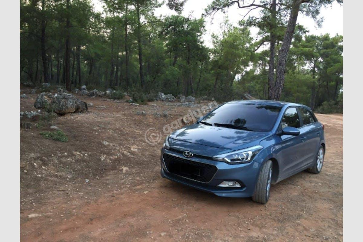 Hyundai i20 Muratpaşa Kiralık Araç 1. Fotoğraf