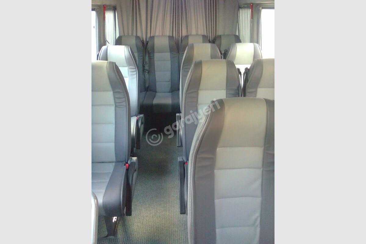 Mercedes - Benz Sprinter Bağcılar Kiralık Araç 3. Fotoğraf