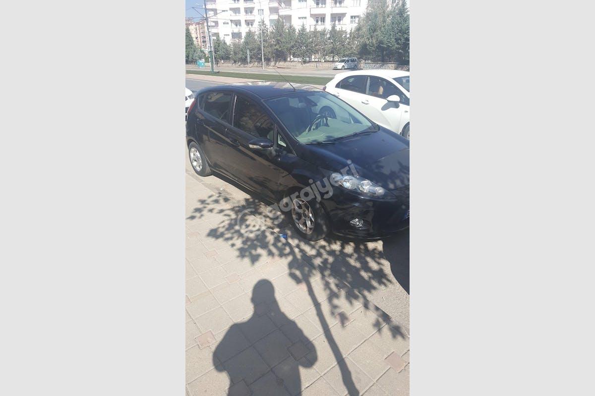 Ford Fiesta Merkez Kiralık Araç 1. Fotoğraf