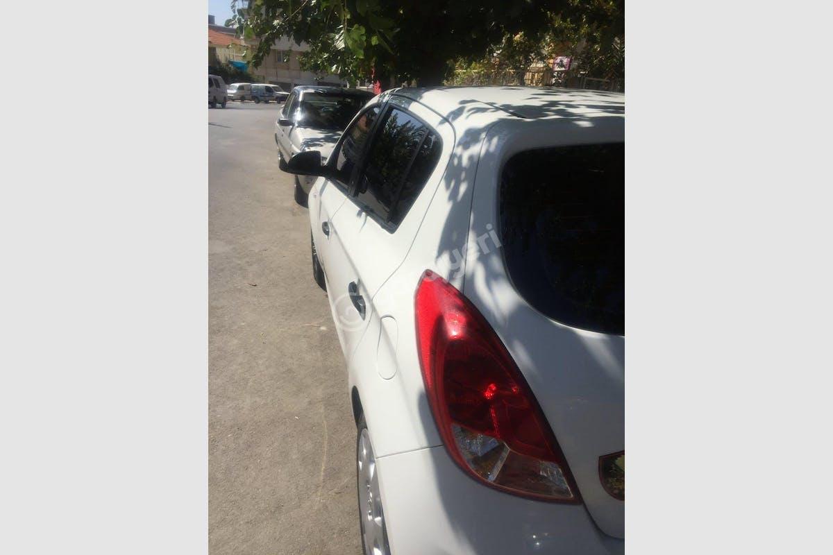 Hyundai i20 Buca Kiralık Araç 2. Fotoğraf